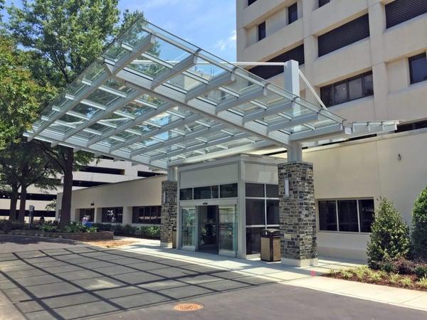 duke-raleigh-hospital-glass-canopy145039-1024x768