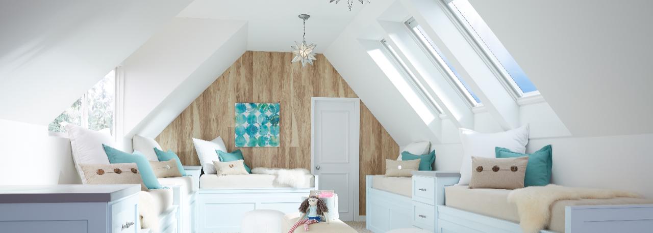bonus-room-skylights-bay24-blinds-open-2560-working-1-1